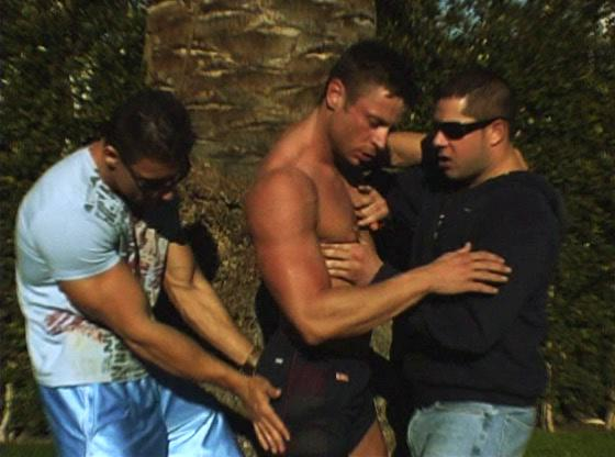 Muscled homo guy gets involved in homo threesome act