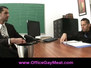 Homosexual seduces his boss to keep his job