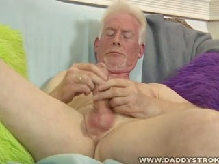 Lascivious old older man gives himself a sexy cook jerking