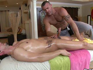 Cute massage chap is ready to eat that thick but large dick!
